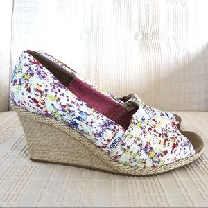 TOMS Paint Splatter Wedges Great Condition Size 10